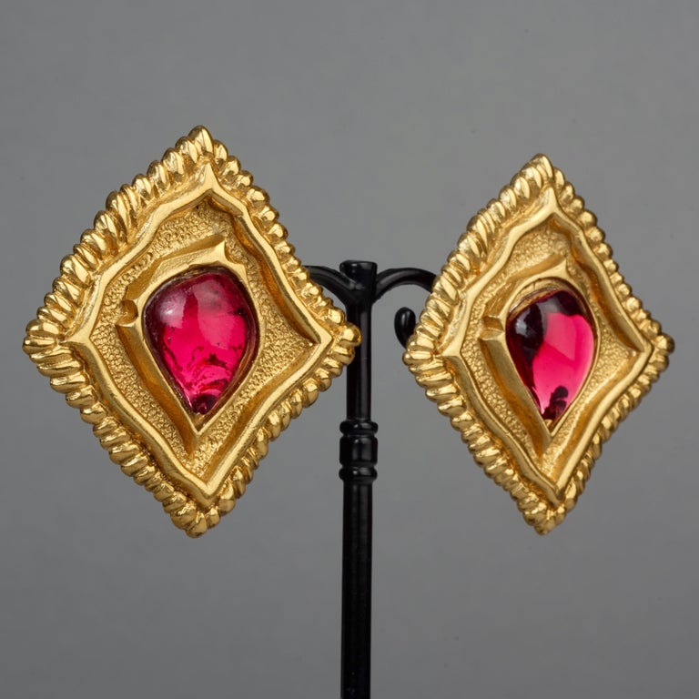 Vintage JEAN LOUIS SCHERRER Red CabochonTextured Inverted Square Earrings For Sale 1