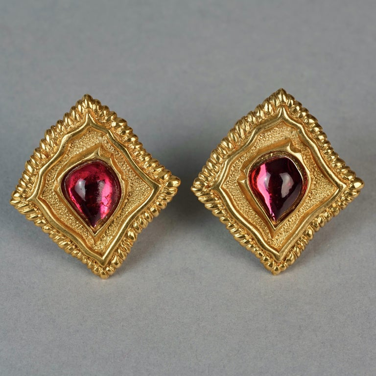 Vintage JEAN LOUIS SCHERRER Red CabochonTextured Inverted Square Earrings For Sale 2