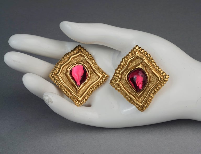 Vintage JEAN LOUIS SCHERRER Red CabochonTextured Inverted Square Earrings For Sale 5