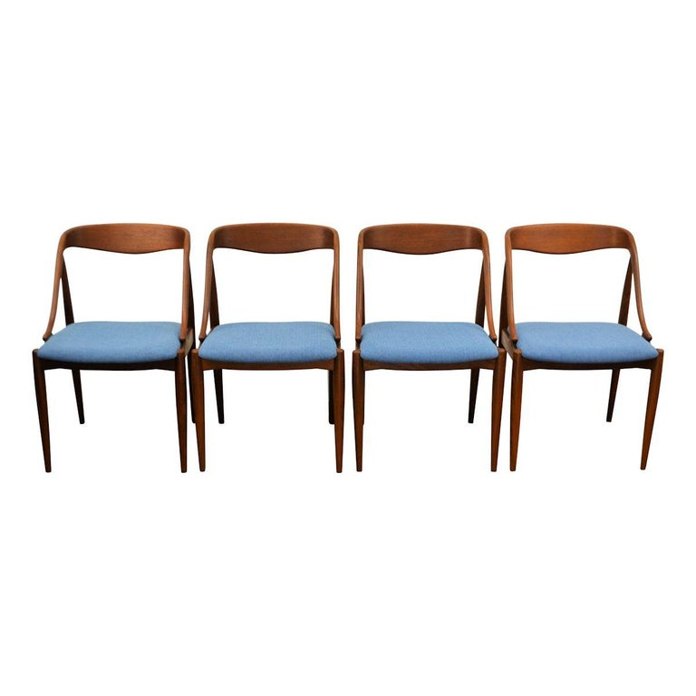 Vintage Johannes Andersen Teak Dining Chairs, Set of Four In Good Condition For Sale In Panningen, NL