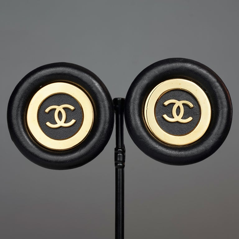 Vintage Jumbo CHANEL CC Logo Lambskin Leather Disc Earrings For Sale 2