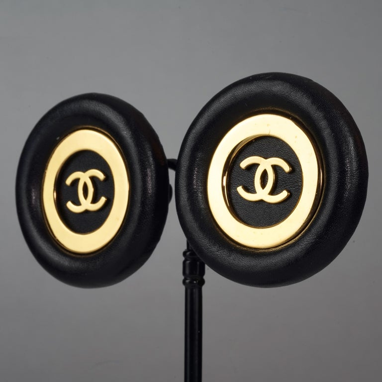 Vintage Jumbo CHANEL CC Logo Lambskin Leather Disc Earrings For Sale 3
