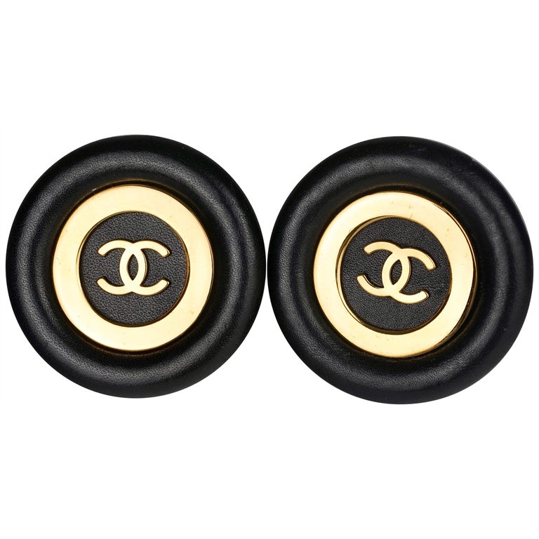 Vintage Jumbo CHANEL CC Logo Lambskin Leather Disc Earrings For Sale