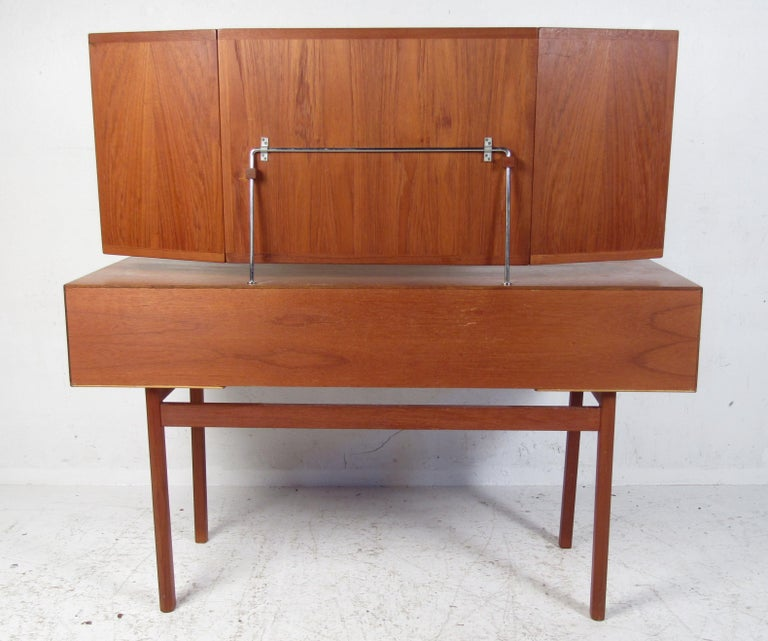 Vintage Kai Kristiansen Vanity Table and Stool by Aksel Kjersgaard In Good Condition For Sale In Brooklyn, NY