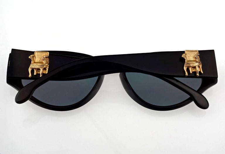 Vintage KARL LAGERFELD Interchangeable Iconic Charms Emblem Sunglasses For Sale 2
