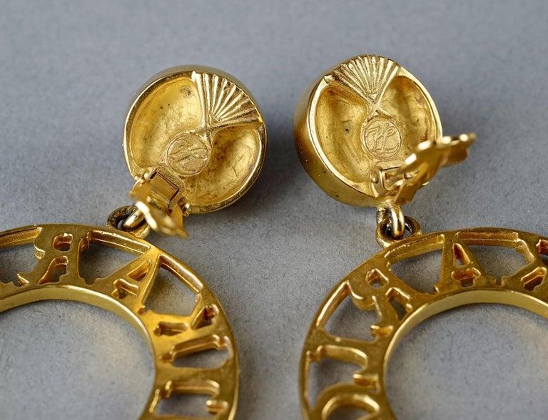 Vintage KARL LAGERFELD Pearl Spelled Out Openwork Hoop Dangling Earrings For Sale 6