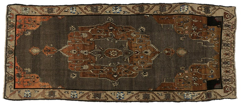 Vintage Kars Gallery Rug with Mid-Century Modern Style In Good Condition For Sale In Dallas, TX