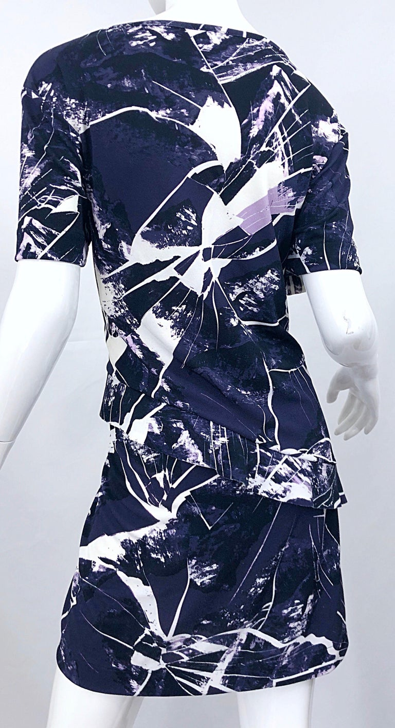 Vintage Kenzo Large Size 1990s Abstract Print Navy Blue + Purple 90s Mini Dress In Excellent Condition For Sale In Chicago, IL