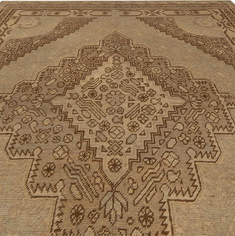 Vintage Khotan (Samarkand) rug Size: 4'4