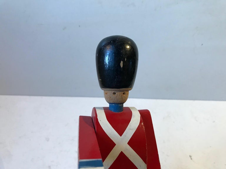 Vintage Kings Guardsman Wood Toy by Kay Bojesen, 1970s In Good Condition For Sale In Esbjerg, DK