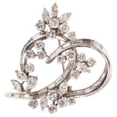 Vintage Knot 3.60 Carat Diamonds 18 Karat White Gold Brooch