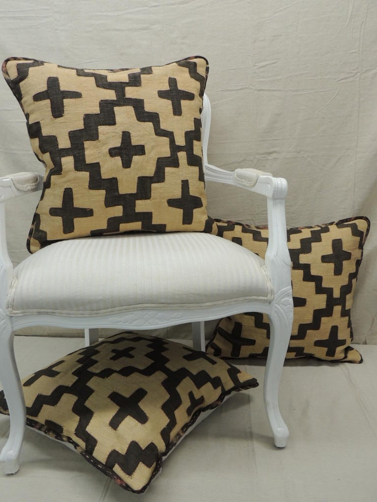 Mid-20th Century Vintage Kuba Tan and Black Handwoven Patchwork African Decorative Pillow For Sale