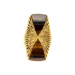Vintage Kutchinksy 18 Karat Yellow Gold Tiger's Eye Ring