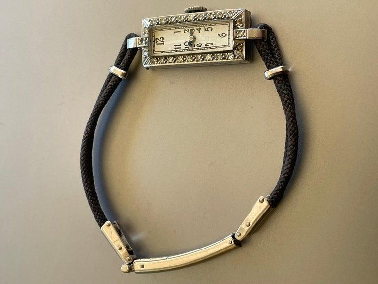 Vintage Ladies 17 Jewel Movement Platinum Wrist Watch In Good Condition For Sale In St. Louis Park, MN