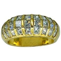 Vintage Ladies 2.50 Carat Diamonds Illusion Set Dome Ring 18k Gold