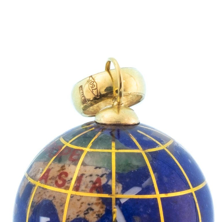 Vintage Lapis and 18 Karat Yellow Gold Globe Charm For Sale 2