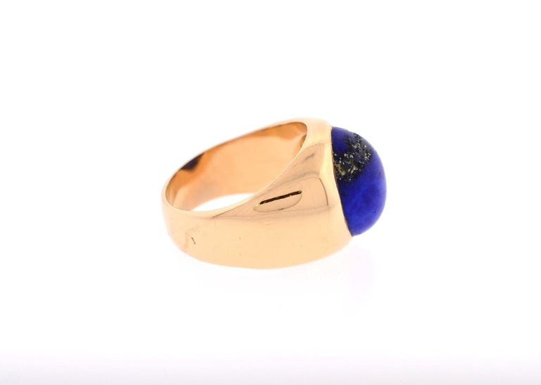 Modern Vintage Lapis Lazuli and 18 Karat Gold Ring For Sale