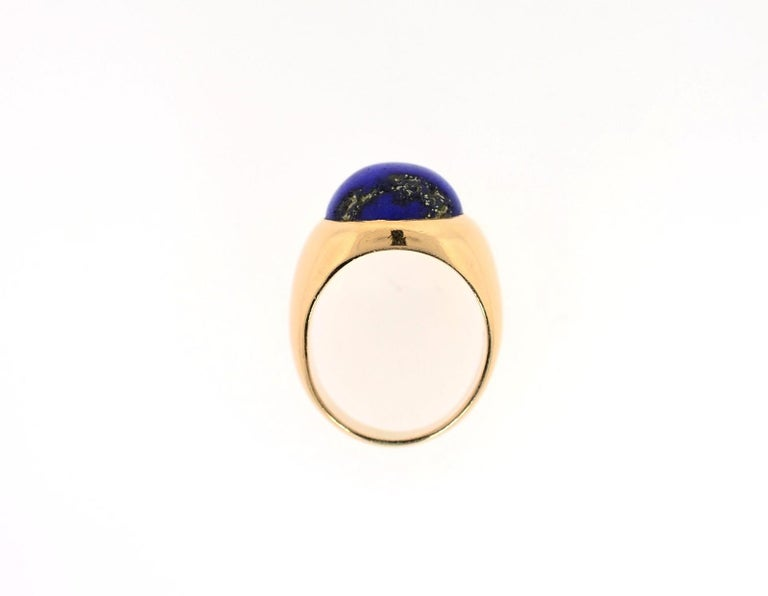 Vintage Lapis Lazuli and 18 Karat Gold Ring In Good Condition For Sale In Beverly Hills, CA