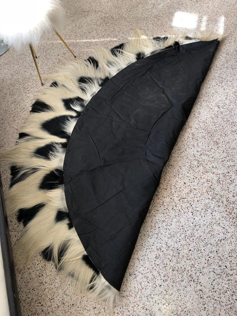Other Vintage Large Circular Colobus Monkey Fur Floor Rug, circa 1969, Fully Lined For Sale