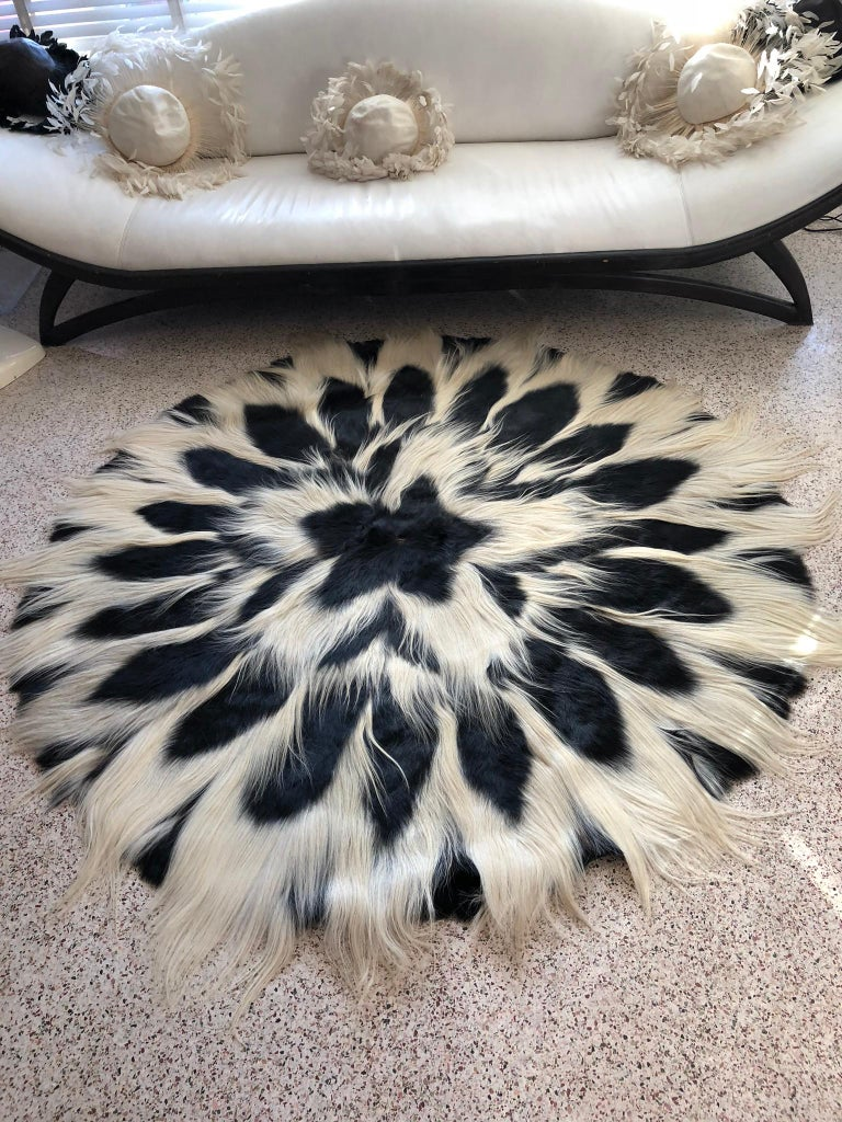 Kenyan Vintage Large Circular Colobus Monkey Fur Floor Rug, circa 1969, Fully Lined For Sale