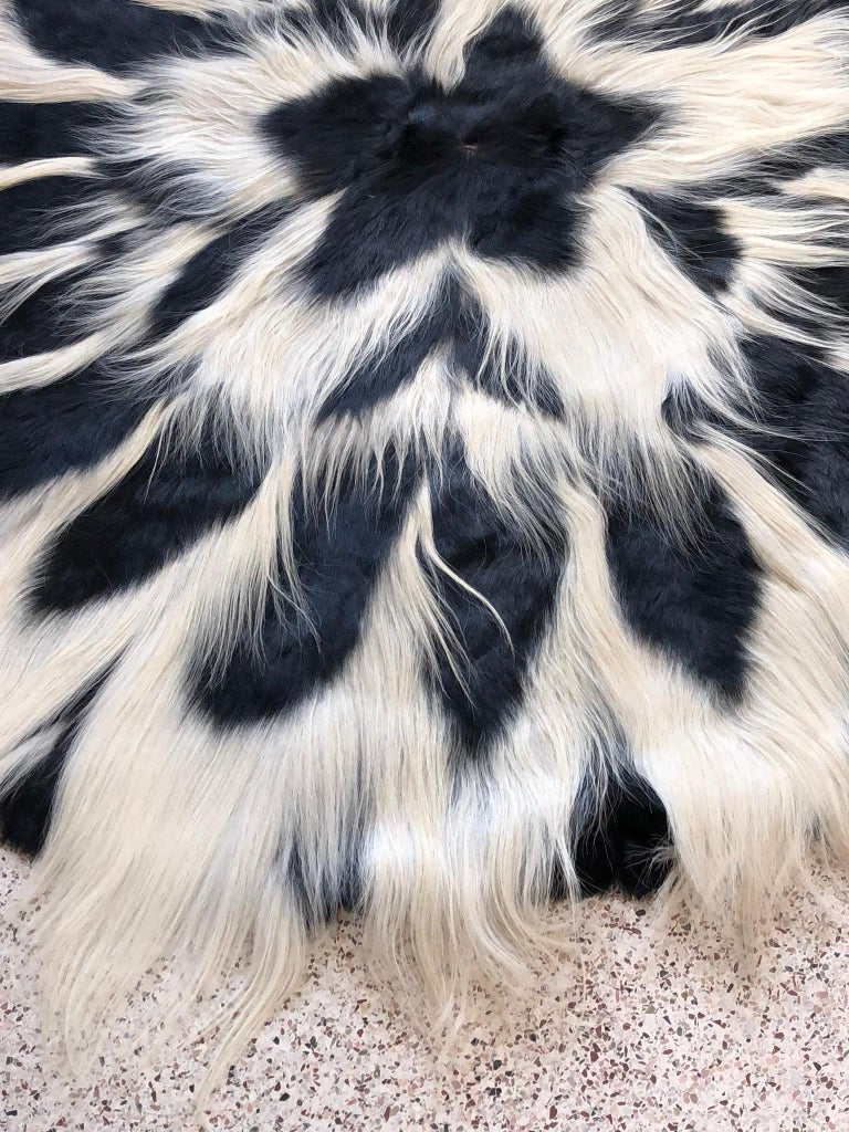 Mid-20th Century Vintage Large Circular Colobus Monkey Fur Floor Rug, circa 1969, Fully Lined For Sale