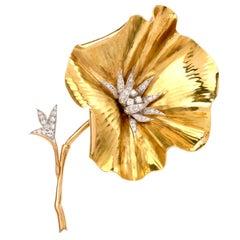 Vintage Large Flower Platinum 18 Karat Yellow Gold French Brooch Pin