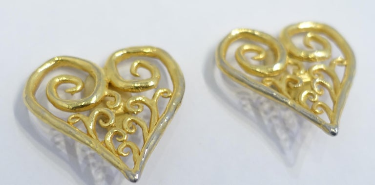 Vintage Large Heart Earrings In Good Condition For Sale In New York, NY