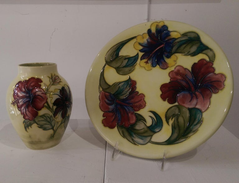 Vintage Large Moorcroft Pottery Charger Plate Hibiscus