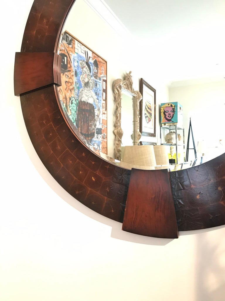 Vintage Large Round Oyster Wood Mirror In Good Condition For Sale In West Palm Beach, FL