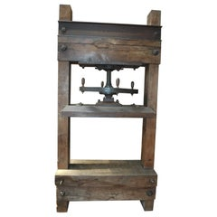 Vintage Late XIX Th Century Book Press in Elm Wood and Iron
