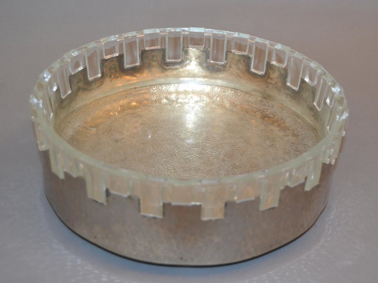 Handmade vintage lead crystal and hammered metal decorative bowl or serving bowl. 1960s unique and rare bowl made in England. Stamped 'England' underneath.