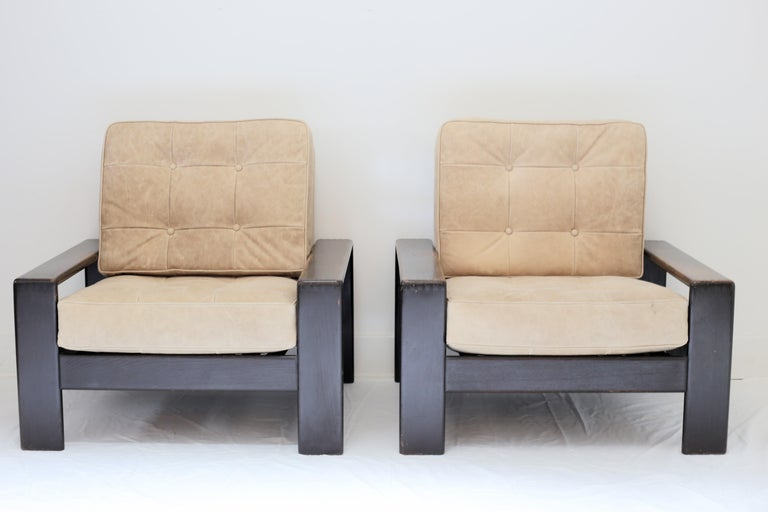 Mid-Century Modern Vintage Leather and Wood Lounge Chairs, Pair For Sale
