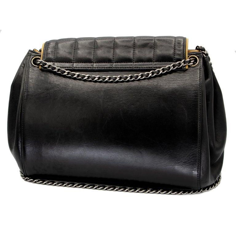 Vintage Leather Chanel Shoulder Bag 2