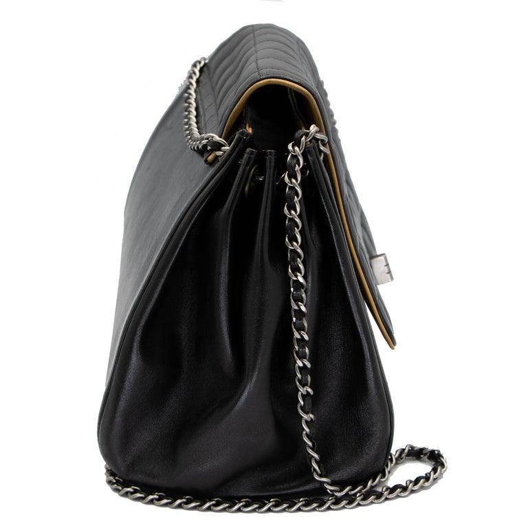Vintage Leather Chanel Shoulder Bag 3