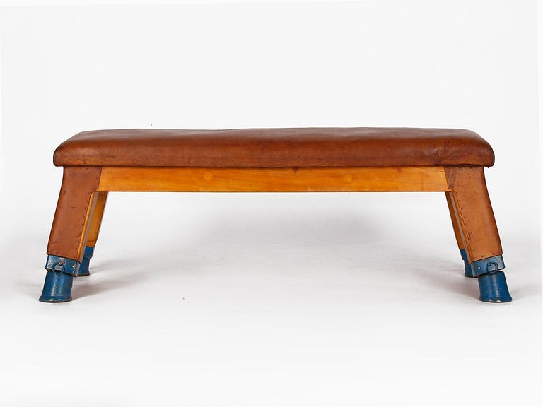 Vintage Leather Gym Bench, 1930s In Good Condition For Sale In Wien, AT