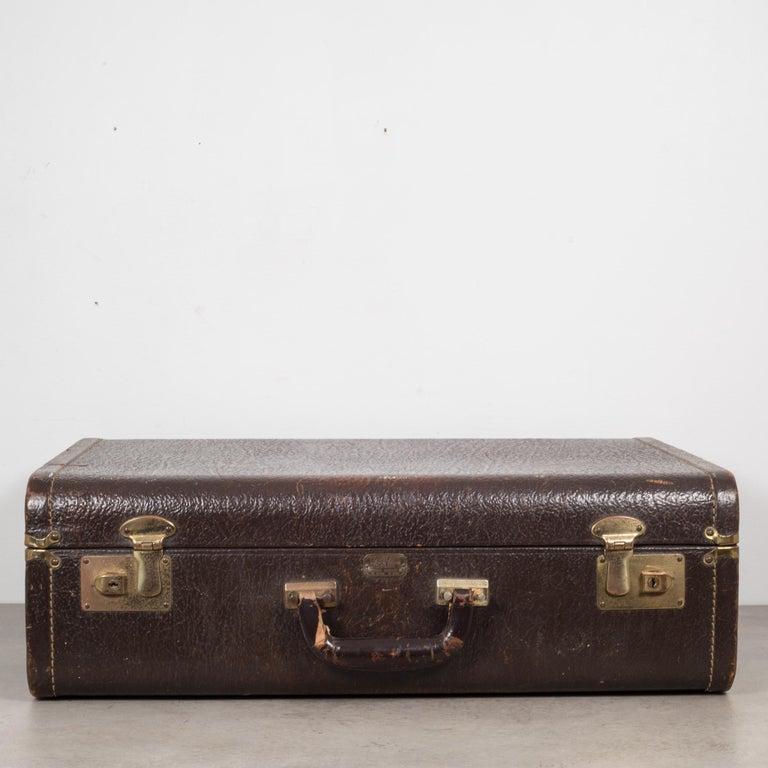 Vintage Leather Overnight Suitcase with Herringbone Interior, circa 1940-1950 For Sale 2