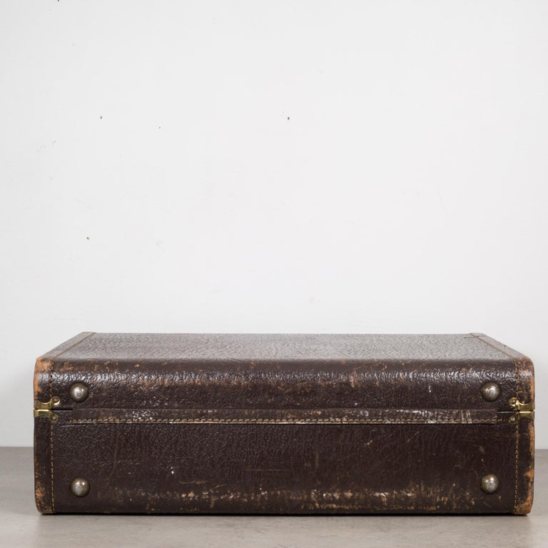 Vintage Leather Overnight Suitcase with Herringbone Interior, circa 1940-1950 For Sale 3