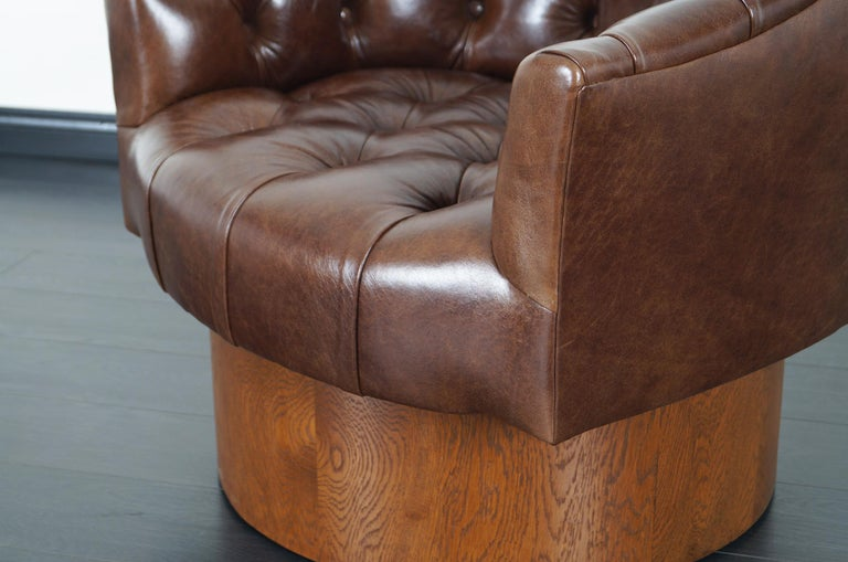 Vintage Leather Swivel Lounge Chairs by Milo Baughman For Sale 6