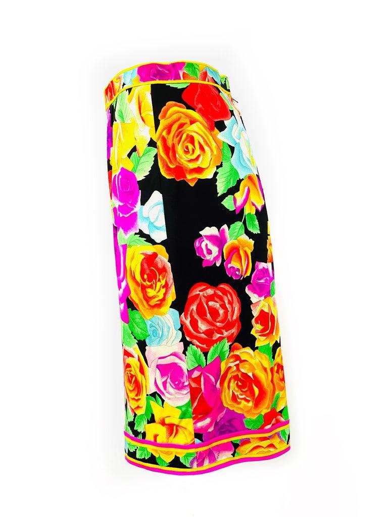 Red Vintage LEONARD Black and Multicolor Flower Pencil Skirt  For Sale