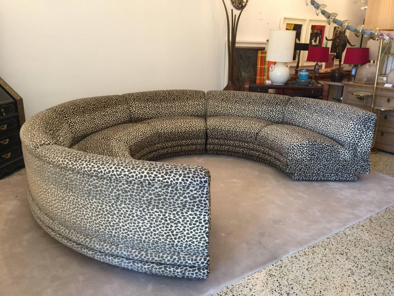 This Circular Sectional In Three Pieces Is Not Too Or Small So Easy