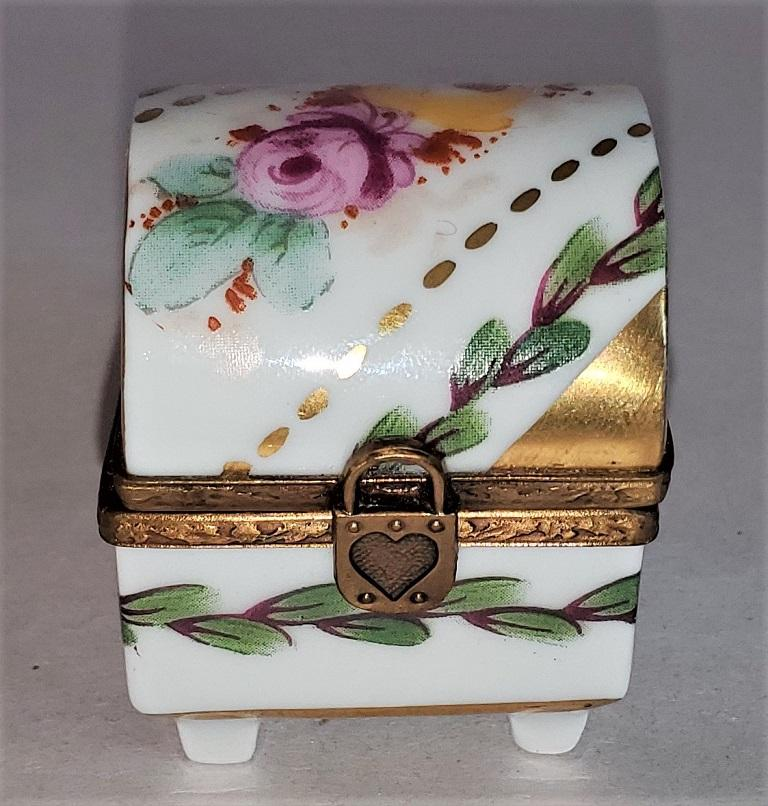 20th Century Vintage Limoges Heart Lock Ring Box For Sale
