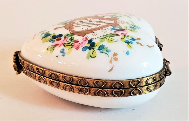 Louis XVI Vintage Limoges Lyre Love Heart Shaped Box