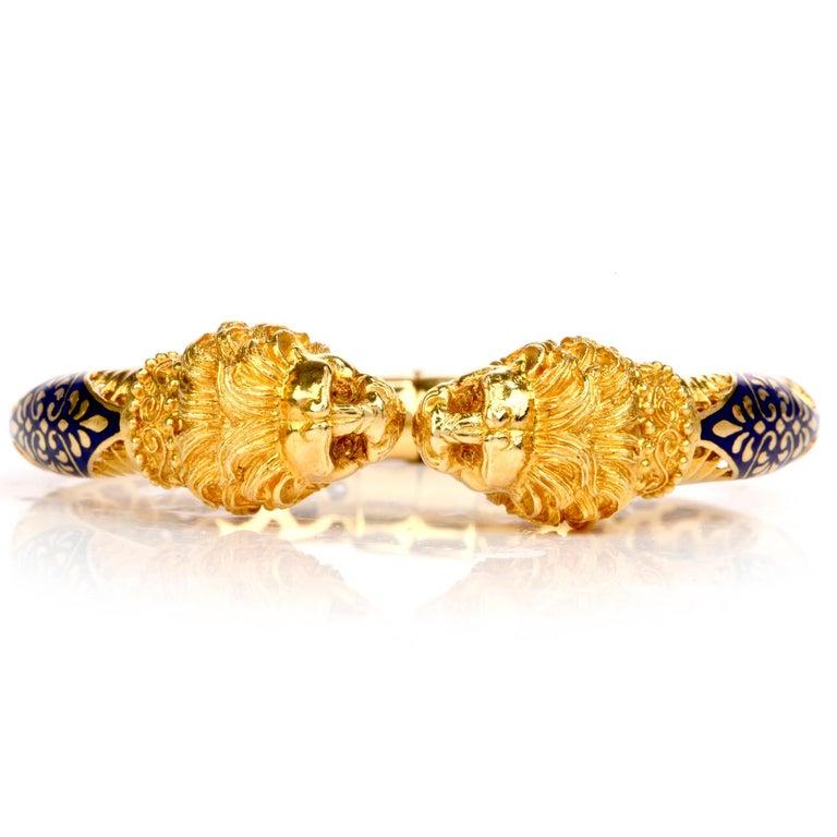 Vintage Lion Head Enamel Gold Cuff Bangle Bracelet In Excellent Condition For Sale In Miami, FL