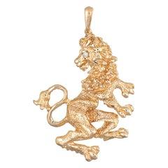 Vintage Lion Pendant 14 Karat Gold Diamond Eye Standing Turning Head Jewelry