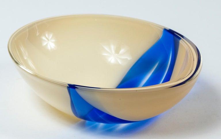 Italian Vintage Livio Seguso Sculptural Glass Bowl, Murano, Italy, circa 1970
