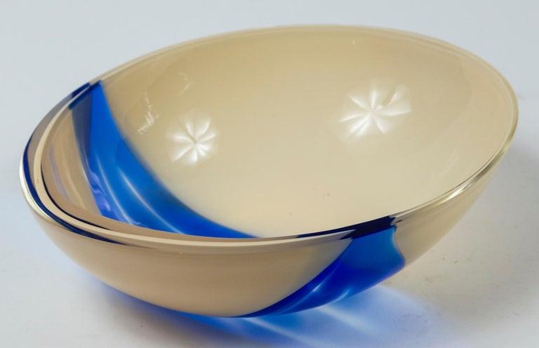 Vintage Livio Seguso Sculptural Glass Bowl, Murano, Italy, circa 1970 2