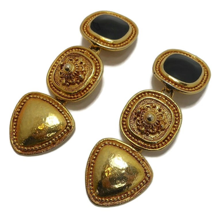 Vintage Long Black Enamel & Carved Gold Tone Drop Earrings In Good Condition For Sale In New York, NY