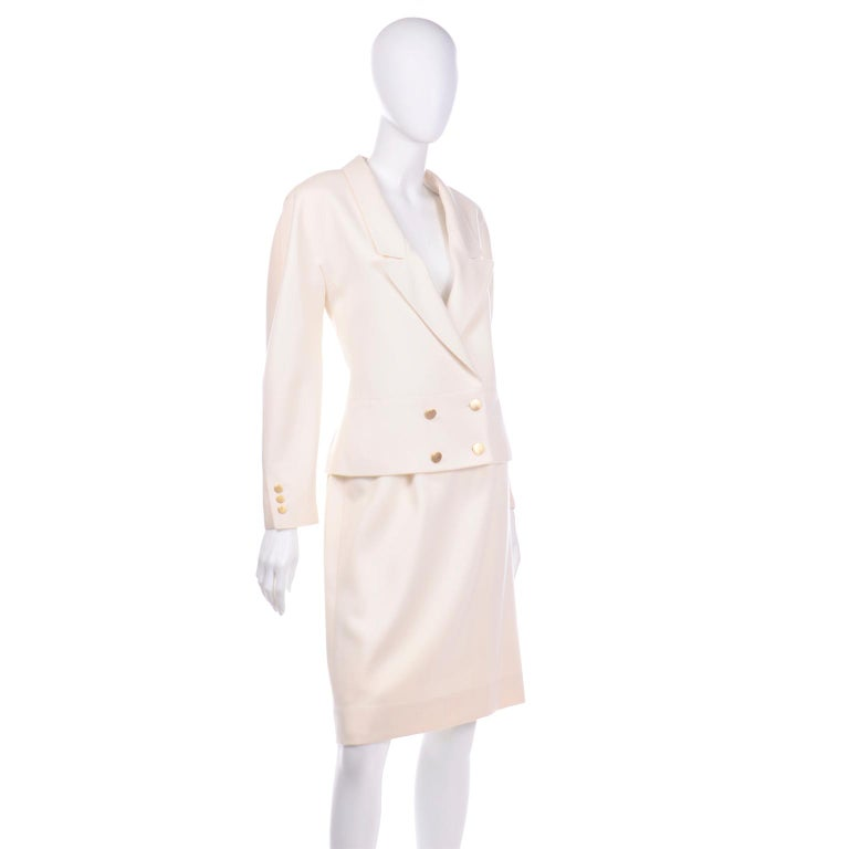 Vintage Louis Feraud Cream Jacket and Skirt Suit 1980s In Excellent Condition For Sale In Portland, OR