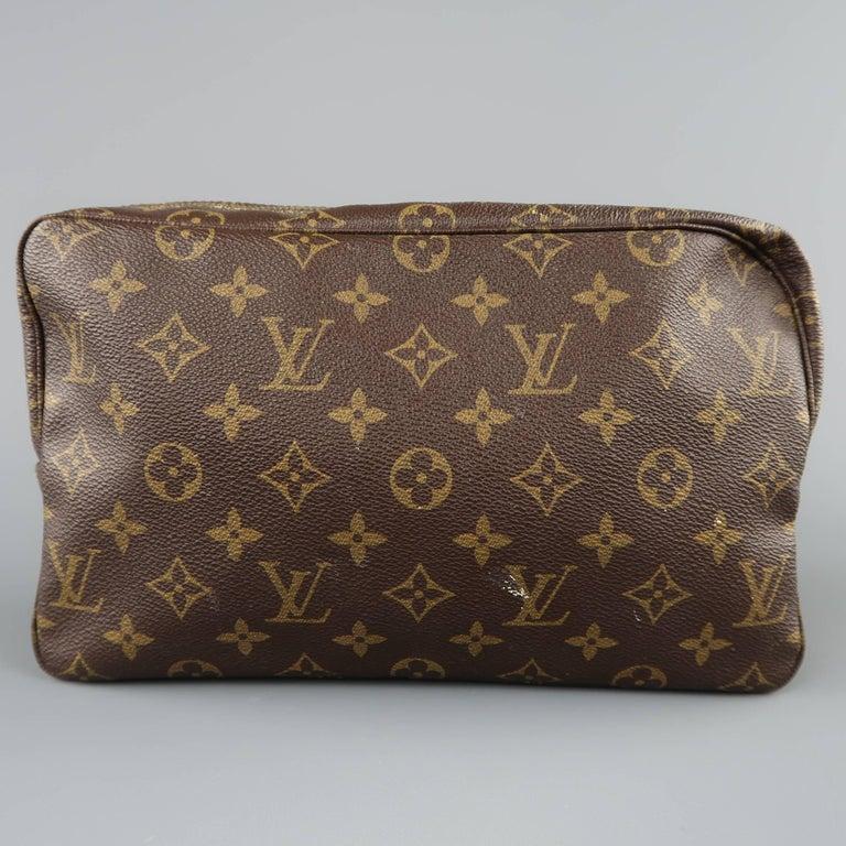 b040aa68c783 Women s or Men s Louis Vuitton Vintage Brown Monogram Trousse Toilette 28  Toiletry Bag For Sale