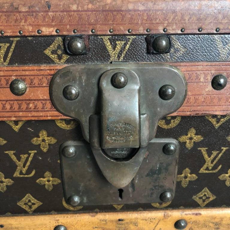 Vintage Louis Vuitton Cabin Trunk with Insert Monogram Canvas 1960s Saks 5th Ave For Sale 9